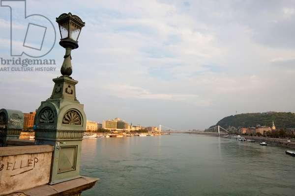 Szechenyi Chain Bridge, Budapest, Hungary (photo)