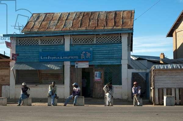 Street Scene in Ranohira, Fianarantsoa Province, Madagascar (photo)
