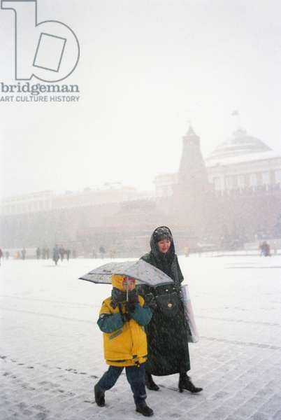 Snowfall In Moscow : Snowfall in the Red Square in Moscow, Russia, 27/10/01 ©ITAR-TASS/UIG/Leemage