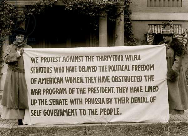 Protest banner against dilatory Senators Blocking Suffrage 1913 (photo)