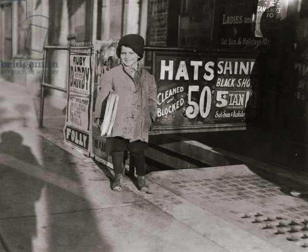 Hymie Miller, 5-year-old Jewish Newsie 1924 (photo)