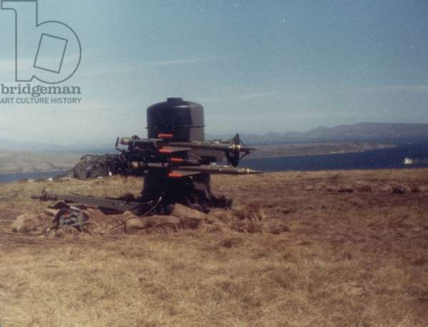 An Anti-Aircraft Gun in the Falklands, 1982 (photo)
