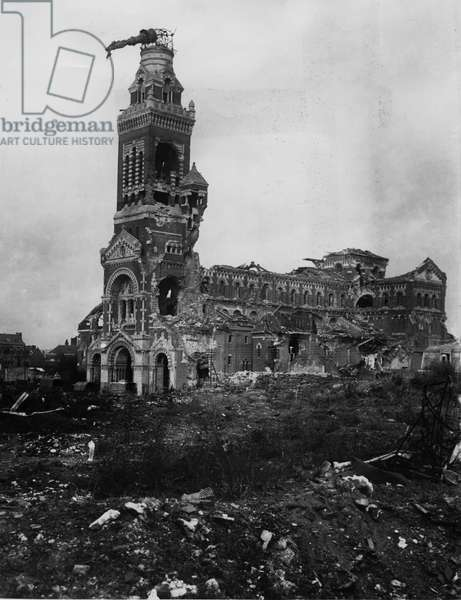 Ruins of Albert Cathedral, 1916 (b/w photo)