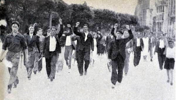 Spanish Civil War: A socialist demonstration demands that the civil government hand over weapons and ammunition 1937