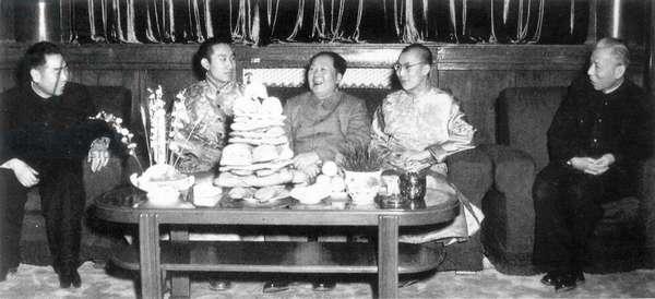 Mao and Zhou Enlai meeting with Dalai Lama, China