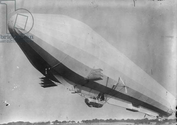 Zeppelin Passenger ship 1915 (photo)