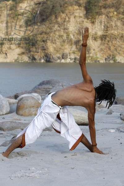 Yoga in Rishikesh (photo)