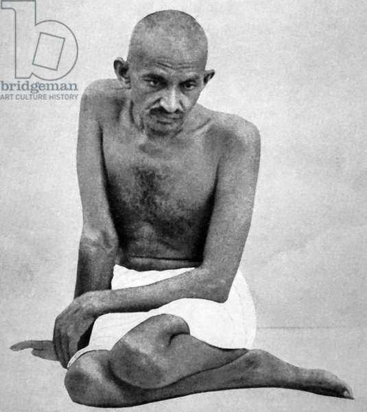 Mohandas Karamchand Gandhi (1869 - 1948), preeminent leader of the Indian independence movement in British-ruled India