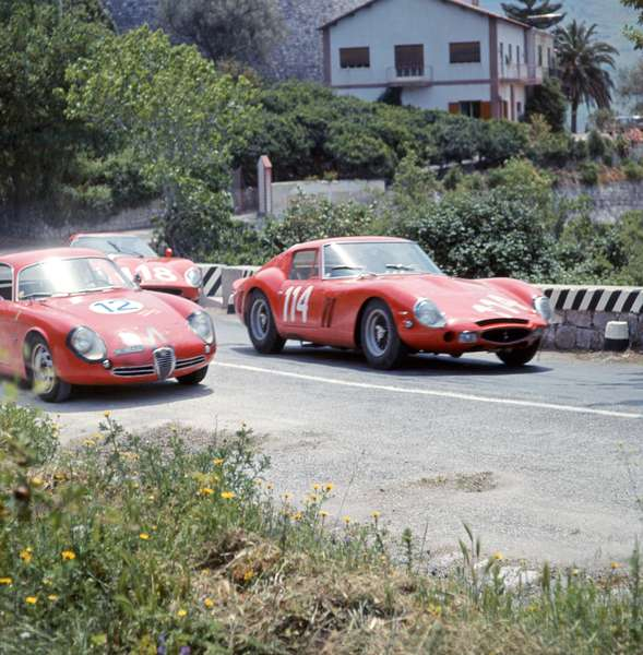 Fernando Latteri driving a Targa Florio and Trapani driving an Alfa Romeo SZ 22nd. , 1965 (photo)