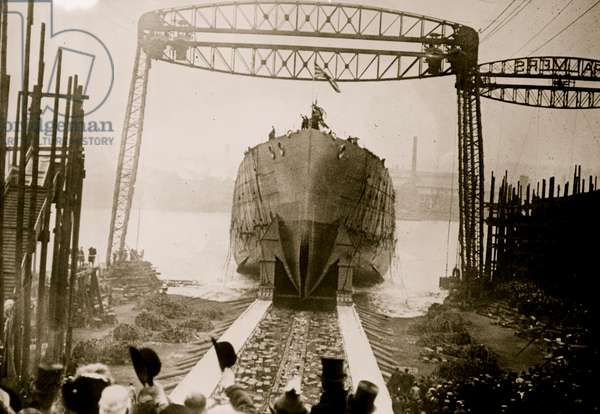 Launch of the Queen Mary 1912 (photo)