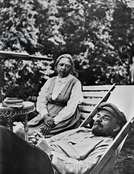 Vladimir Lenin And Nadezhda Krupskaya In Gorki