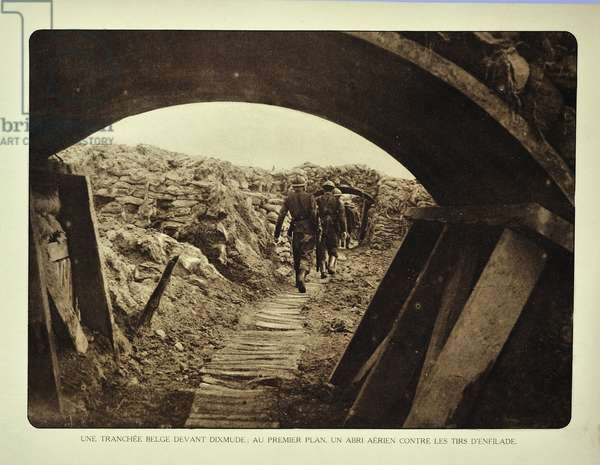 View from shelter showing soldiers in trench at Diksmuide in Flanders during the First World War, Belgium ©UIG/Leemage
