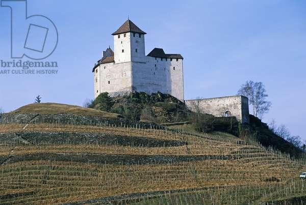 Liechtenstein, Balzers, Burg Gutenberg (Gutenberg Castle), 13th century castle on top of terraced hill