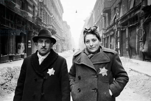 A Jewish couple in the Warsaw Ghetto