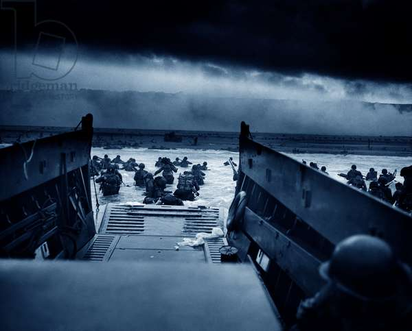 US Troops rushing to the Normandy Beaches, 1944