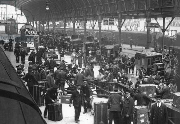 Paddington Station, London (photo)
