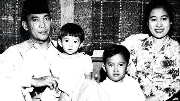 Ahmed Sukarno (1901-1970), Principal leader  of Indonesia's nationalist movement against the Dutch, and the country's first president (1945-1968), with his wife and children.  Politician Statesman.