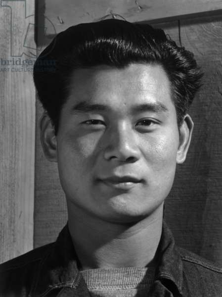 Yoshio Muramoto, electrician, Manzanar Relocation Center, California, 1943 (photo)