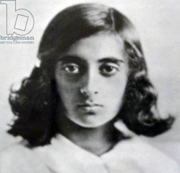 Indira Gandhi, 1929