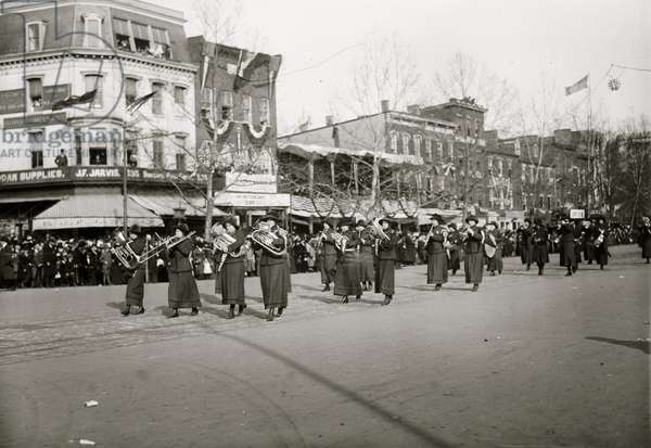 Woman's Band in a Suffrage Parade 1913 (photo)