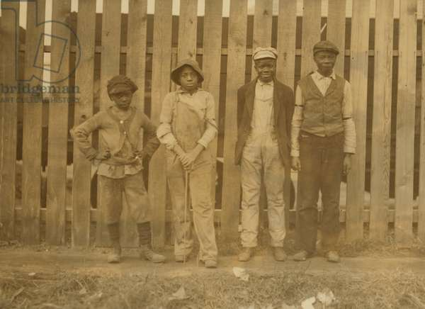 Young negroes working in Cape May Glass Co., N.J. 1909 (photo)