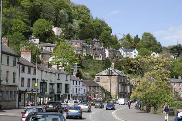 Peak District: MATLOCK BATH: General view of town