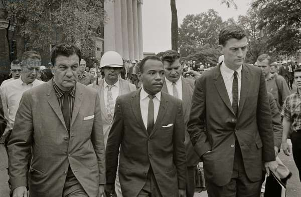 Integration at Ole Miss 1962 (photo)
