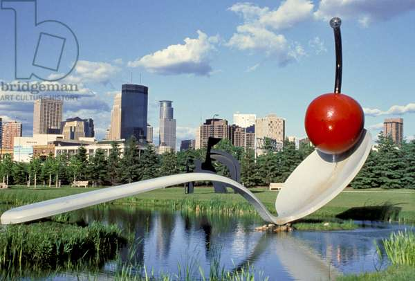 'Spoonbridge and Cherry' in Minneapolis Sculpture Garden, by Claes Oldenburg and Coosje van Bruggen, 1985-88 (photo)