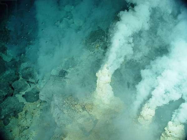 White chimneys at Champagne vent site, NW Eifuku volcano