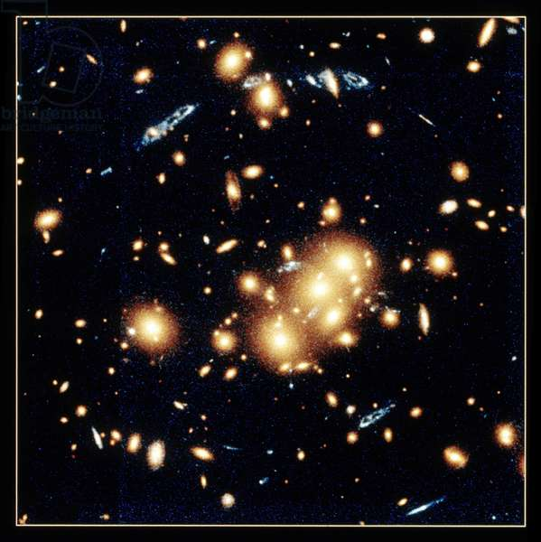 Gravitational lens in CL0024 plus 1654. W.Collet (Princeton). NASA photograph.