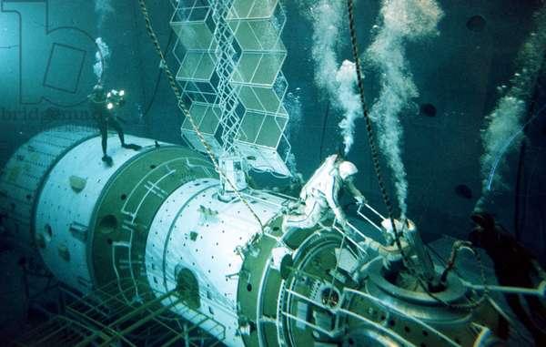 The Hydropool of the Yuri Gagarin Cosmonaut Training Center, 2000.