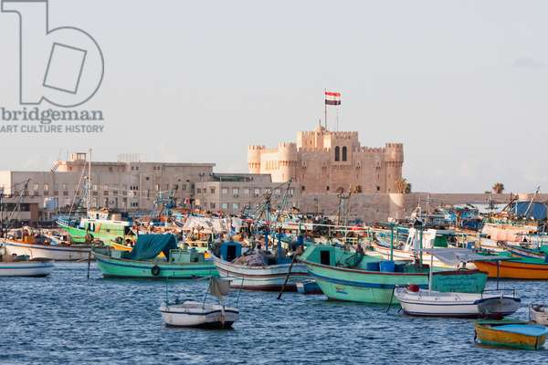 Fishing Boats in the Eastern Harbour and Fort Qaitbey, Alexandria, Al Iskandar (photo)