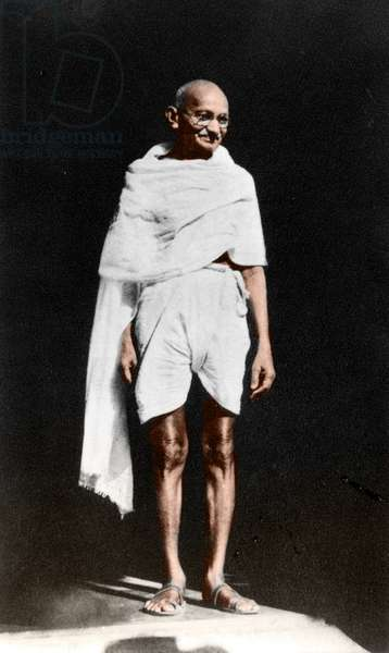 Mohandas Karamchand Gandhi dit Mahatma Gandhi (1869-1948), leader politique et spirituel indien apres sa rencontre avec Herbert Hoover dans la maison du Vice roi britannique a Dhli, 24 avril 1946 - Mahatma Gandhi after the meeting with the former US-President Herbert Hoover at the British Viceroy Lord Wavell's house, Delhi, April 24, 1946. ©Dinodia/Uig/Leemage