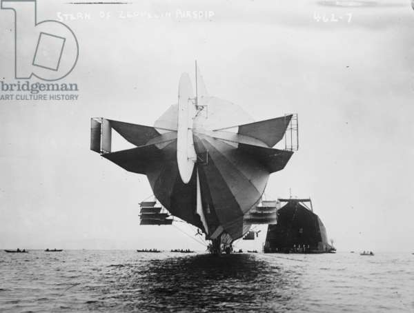 Stern of Zeppelin airship 1908 (photo)