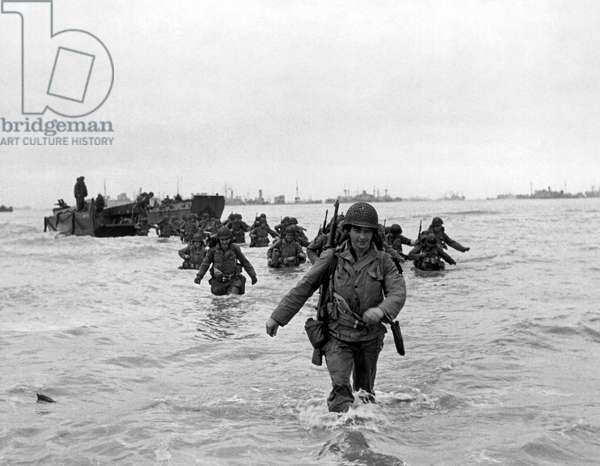 D-Day Reinforcements, 1944 (b/w photo)