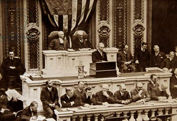 President Woodrow Wilson addresses Congress