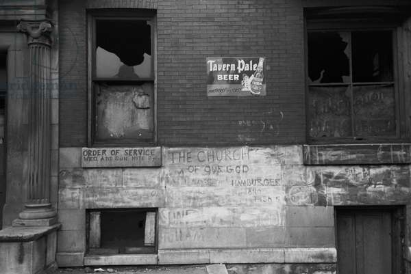 Abandoned building, South Side of Chicago, Illinois, 1941 (b/w photo)