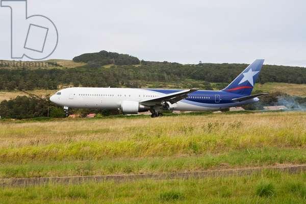 Lan Chile Boeing 767 Landing at Mataveri Airport, Rapa Nui (Easter Island), Chile (photo)