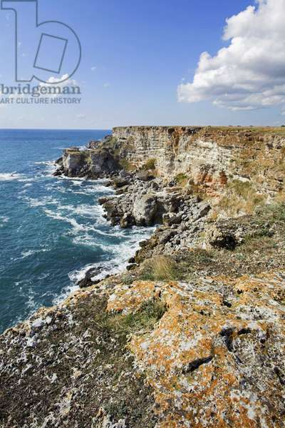 Bulgaria, Kamen Briag, limestone cliffs on northern Black Sea coastline