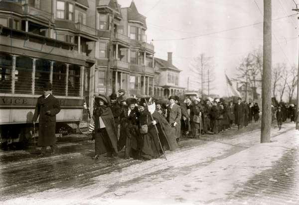 Hike to DC led by Rosalie Jones 1913 (photo)