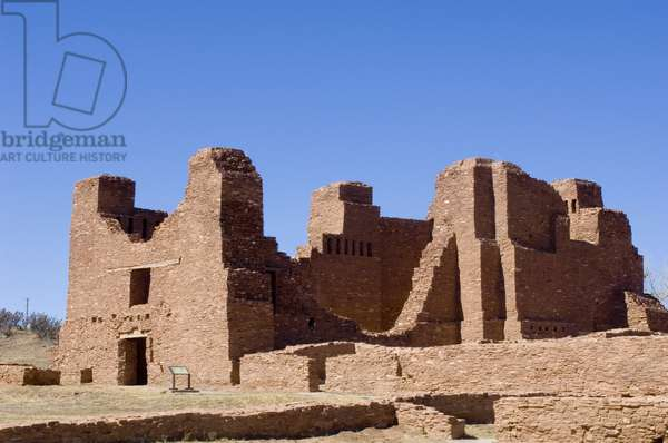 Salinas Pueblo Missions National Monument, Quarai Ruins, in New Mexico. Early 17th century Spanish Francisca (photo)