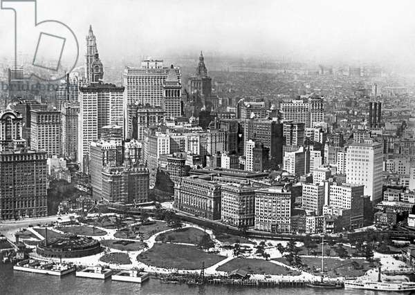 Aerial View Of NYC Battery, New York, New York, c.1917  (b/w photo)