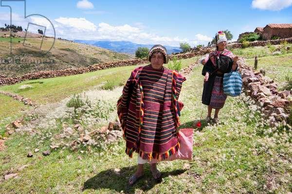 Tarabuco man and woman, Jatun Yampara Indigenous Community, Chuquisaca Department, Bolivia (photo)