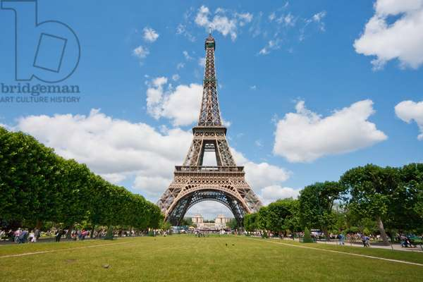 Eiffel Tower as seen from the Champ De Mars, Paris, France (photo)
