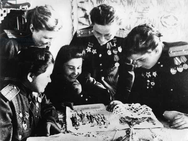 Soviet Women'S Squadron, Soviet Women Pilots, World War 2, Left to Right: Squadron Navigator Yekatrina (Katya) Ryabova; Flight Commander Raisa Yushchina: Navigator Mira Paromova; Squadron Commanders Nadezhda (Nadya) Popova and Marina Chechneva, Eastern Pomerania, 1945.