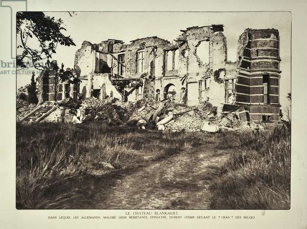 The ruined castle De Blankaart at Woumen after bombardment in Flanders during the First World War, Belgium ©UIG/Leemage