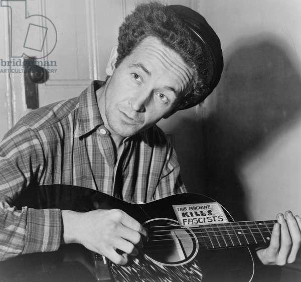 Woody Guthrie, 1943