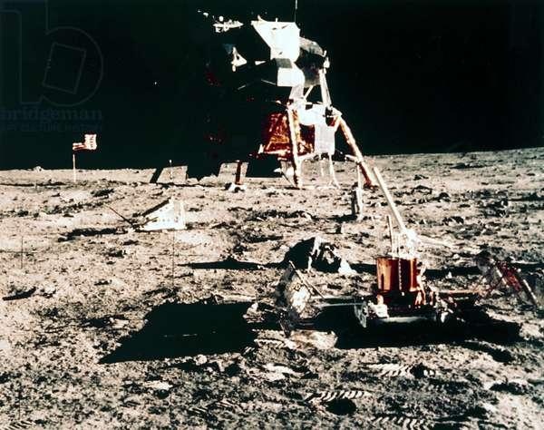 Manned Space Flight, USA, Apollo 11 Apollo 11 lunar experiments, 1969
