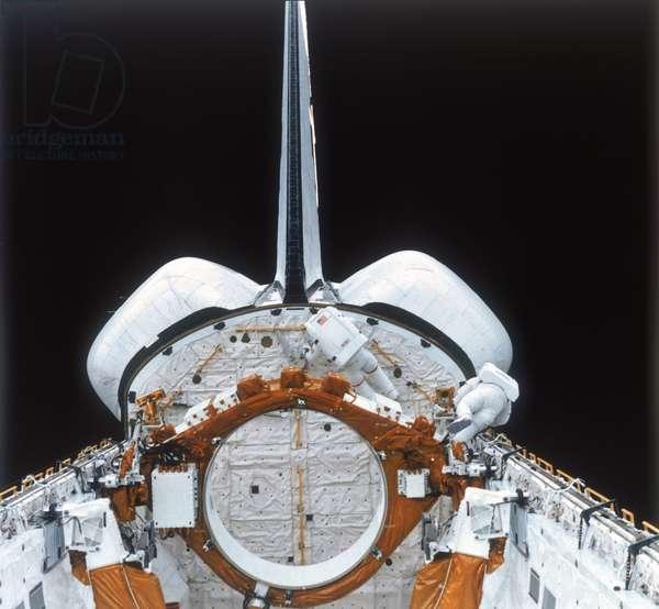 Manned Space Flight, USA, Shuttle Space Shuttle astronauts on EVA, 1980s