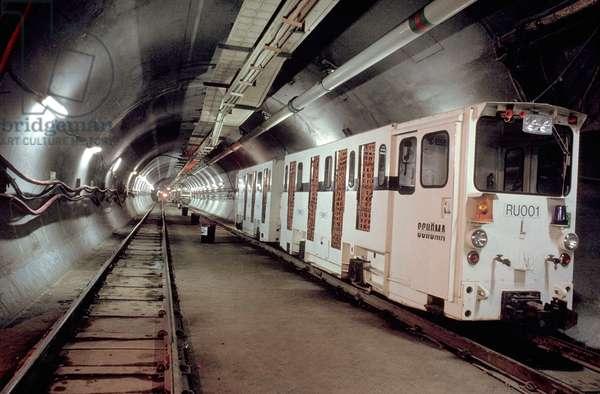 Channel Tunnel train, 1992 (photo)